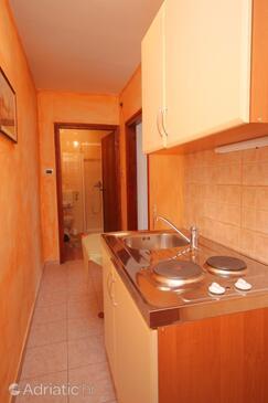 Bačva, Kitchen in the studio-apartment, dopusteni kucni ljubimci i WIFI.