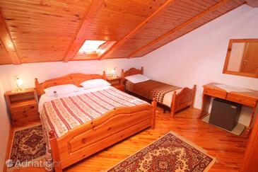 Novigrad, Bedroom in the room, dostupna klima.