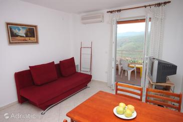 Rabac, Living room in the apartment, air condition available, (pet friendly) and WiFi.