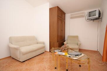 Valbandon, Obývací pokoj v ubytování typu apartment, klimatizácia k dispozícii.