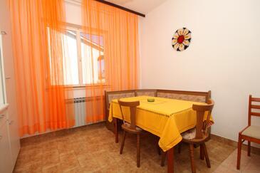Pula, Blagovaonica u smještaju tipa apartment, dostupna klima, kućni ljubimci dozvoljeni i WiFi.