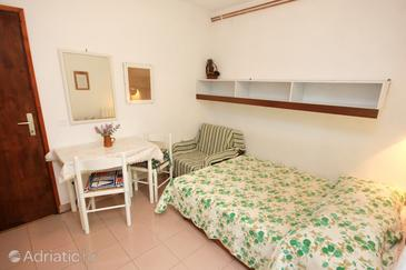 Rabac, Dining room in the studio-apartment, WIFI.