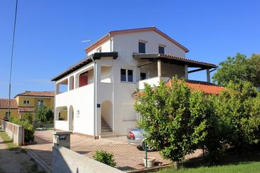 Valbandon, Fažana, Obiekt 7654 - Apartamenty ze żwirową plażą.