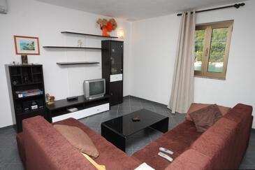 Plomin Luka, Obývacia izba v ubytovacej jednotke apartment, dostupna klima i WIFI.