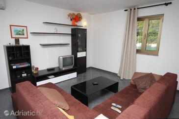 Plomin Luka, Obývací pokoj v ubytování typu apartment, dostupna klima i WIFI.