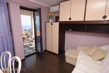 Ravni, Living room in the apartment, air condition available and WiFi.