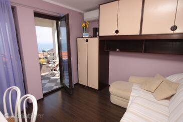 Ravni, Obývací pokoj v ubytování typu apartment, dostupna klima i WIFI.