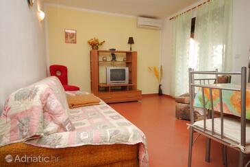Pula, Dnevni boravak u smještaju tipa apartment, dostupna klima, kućni ljubimci dozvoljeni i WiFi.