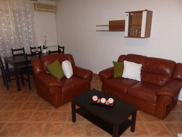 Pula, Obývací pokoj v ubytování typu apartment, dopusteni kucni ljubimci i WIFI.