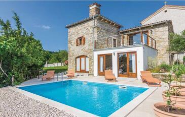 Krbune, Središnja Istra, Property 7671 - Vacation Rentals with pebble beach.