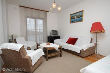 Pula, Living room in the apartment, dostupna klima, dopusteni kucni ljubimci i WIFI.