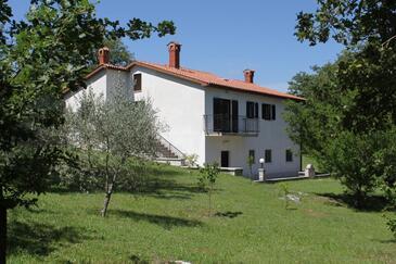 Kršan - Vlašići, Središnja Istra, Obiekt 7685 - Willa ze żwirową plażą.