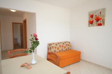 Trget, Obývací pokoj v ubytování typu apartment, s klimatizací, domácí mazlíčci povoleni a WiFi.