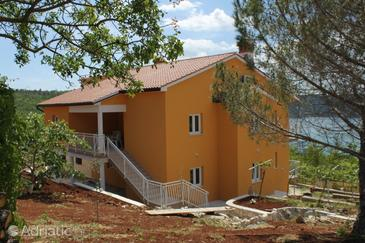 Trget, Raša, Property 7687 - Apartments with sandy beach.