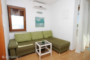 Mošćenice, Obývací pokoj v ubytování typu apartment, s klimatizací, domácí mazlíčci povoleni a WiFi.