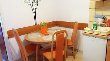 Opatija, Dining room in the apartment, WIFI.
