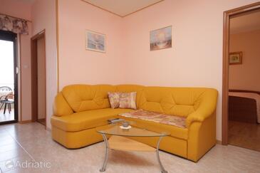 Lovran, Living room in the apartment, dostupna klima i WIFI.