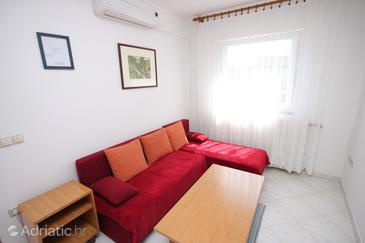 Lovran, Living room in the apartment, dostupna klima i dopusteni kucni ljubimci.