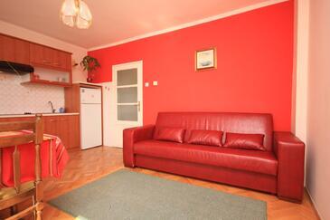 Lovran, Obývacia izba v ubytovacej jednotke apartment, domáci miláčikovia povolení a WiFi.