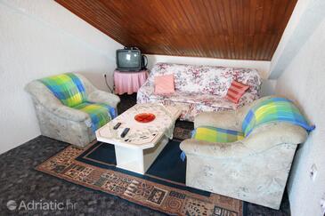 Oprič, Гостиная в размещении типа apartment, Домашние животные допускаются и WiFi.