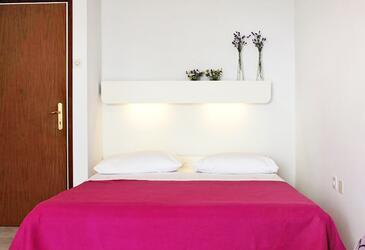 Medveja, Dormitorio in the room, air condition available y WiFi.