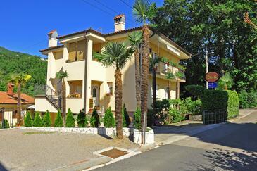 Oprič, Opatija, Объект 7728 - Апартаменты с галечным пляжем.