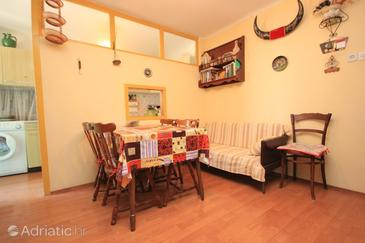 Rovinj, Jídelna v ubytování typu apartment, dostupna klima, dopusteni kucni ljubimci i WIFI.