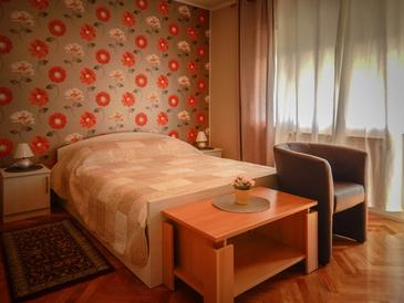 Lovran, Bedroom in the room, dostupna klima i WIFI.