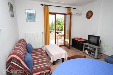 Ičići, Living room in the apartment, dostupna klima i dopusteni kucni ljubimci.