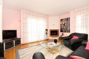 Ičići, Pokój dzienny w zakwaterowaniu typu house, dostupna klima, dopusteni kucni ljubimci i WIFI.