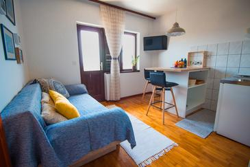 Maslinica, Sala de estar in the apartment, WiFi.