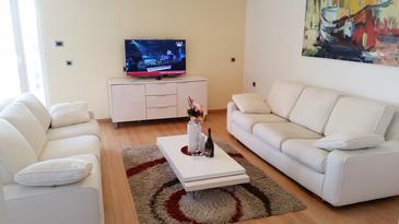 Ičići, Camera di soggiorno nell'alloggi del tipo apartment, condizionatore disponibile, animali domestici ammessi e WiFi.