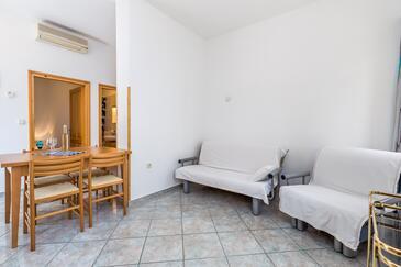 Mošćenička Draga, Obývací pokoj v ubytování typu apartment, domácí mazlíčci povoleni a WiFi.