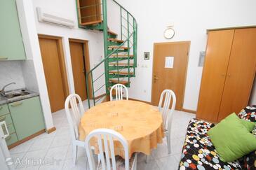 Mošćenička Draga, Jídelna v ubytování typu apartment, s klimatizací a WiFi.