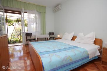 Medveja, Bedroom in the room, air condition available and WiFi.