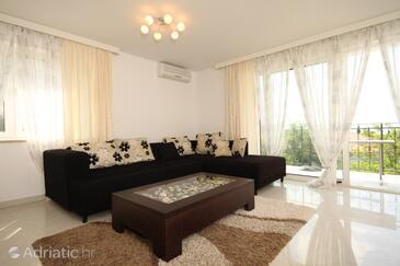 Ičići, Obývací pokoj v ubytování typu apartment, s klimatizací a WiFi.