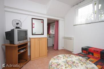 Ičići, Living room in the studio-apartment, dopusteni kucni ljubimci.