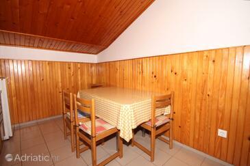 Ičići, Dining room in the apartment, dopusteni kucni ljubimci i WIFI.
