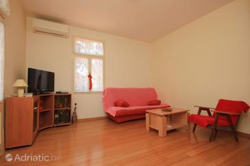 Lovran, Obývací pokoj v ubytování typu apartment, s klimatizací a WiFi.