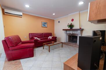 Rijeka, Living room in the apartment, air condition available, (pet friendly) and WiFi.