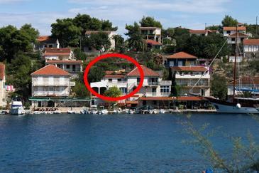 Stomorska, Šolta, Obiekt 783 - Apartamenty przy morzu ze żwirową plażą.