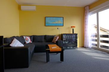 Opatija, Living room in the apartment, dostupna klima i WIFI.