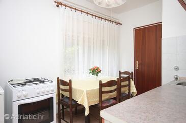 Matulji, Dining room in the apartment.