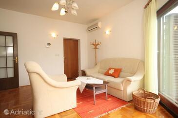 Opatija - Volosko, Living room in the apartment, dostupna klima, dopusteni kucni ljubimci i WIFI.
