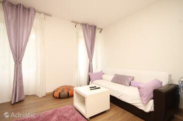 Opatija - Volosko, Obývací pokoj v ubytování typu apartment, domácí mazlíčci povoleni a WiFi.