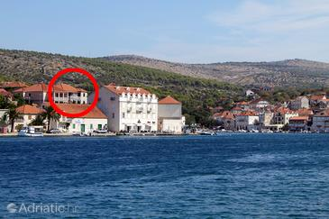 Milna, Brač, Property 785 - Rooms by the sea.