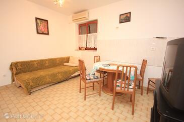 Opatija - Volosko, Jídelna v ubytování typu apartment, s klimatizací, domácí mazlíčci povoleni a WiFi.