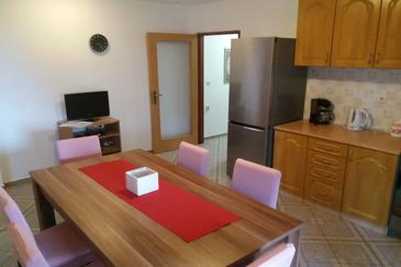 Ćunski, Sala da pranzo nell'alloggi del tipo apartment, condizionatore disponibile e WiFi.