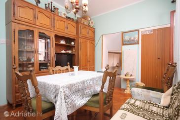 Cres, Dining room in the apartment.