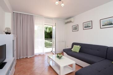 Poljane, Living room in the apartment, dostupna klima, dopusteni kucni ljubimci i WIFI.